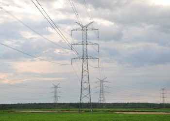 Electricity_pylons_tlc_3