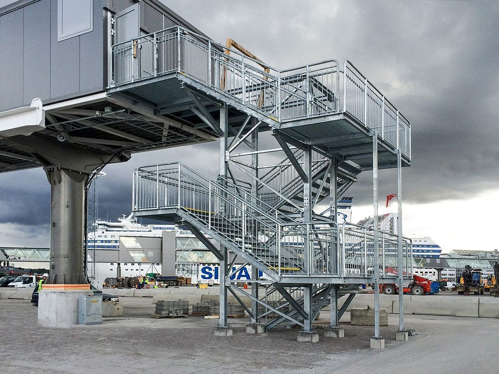 Steel_stairs_15