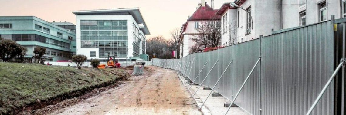 TLC Group SMART hoarding fences Hospital Gdańsk
