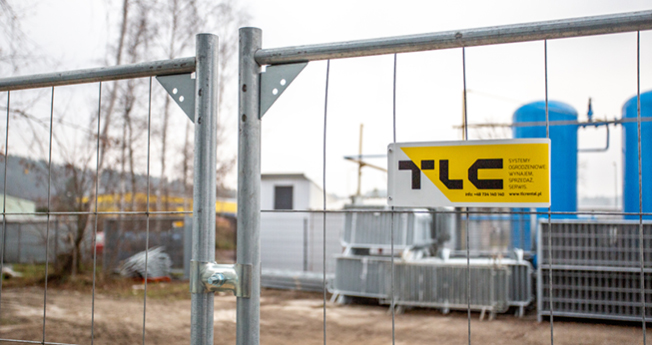 Our temporary fencing solutions are fully mobile and lightweight, allowing for easy portability. Temporary fencing is recommended for the enclosure of construction areas, industrial areas and roads.