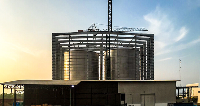 The Nordweld Tank Building System allows for the quick erection of steel tanks, using the top down method. This system is produced by Nordweld Tank Building System AB, a prestigious member of the TLC Group.