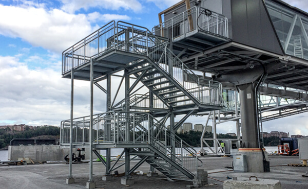 railings-and-guardrails-m